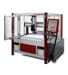 CNC-Fräsmaschine FlatCom M mit geöffneter Haube